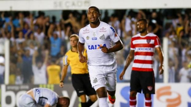 Rodrigão abriu a conta de Santos 6x2 Linense Marco Galvão Fotoarena
