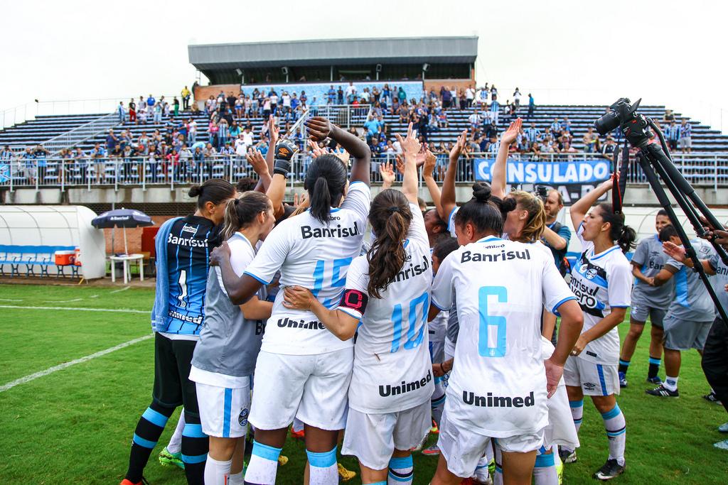 001 Feminino - Lucas Uebel Grêmio FBPA5