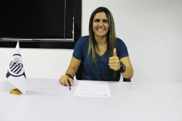 Emily Lima assina com o Santos